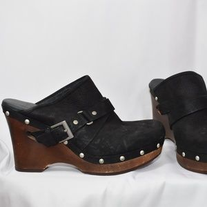 UGG BLACK Natalee Buckle Leather Clogs Silver Stud